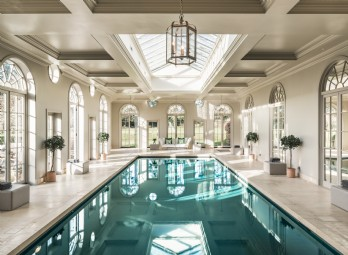 Luxury Houses with a Pool - Unique Escapes