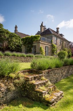 luxury self-catering manor Burford, Oxfordshire