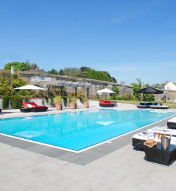 Luxury self-catering in Cornwall with swimming pool