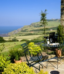 UK COASTAL RETREATS WITH THE WOW FACTOR