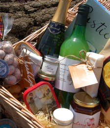Unique Boutique Launches Specialised Foodie Hampers