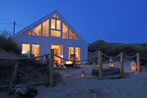 Luxury beach house camber sands east sussex camber beach for Luxury holiday rentals uk