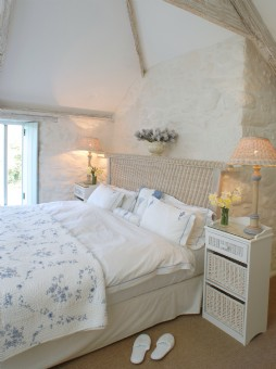 Large self catering farmhouse in Mullion Cove