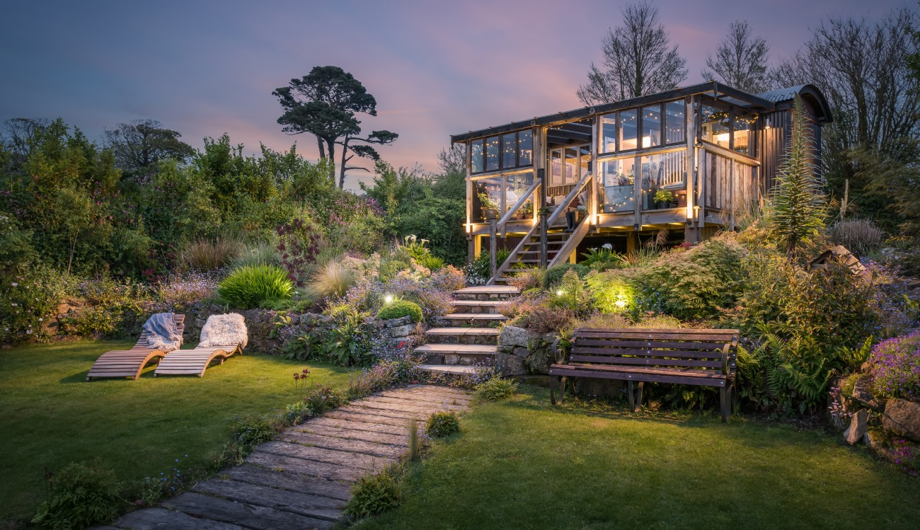 Bohemian luxury self catering close to watergate bay in for Sundance house