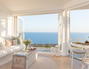 Luxury beach hut Whitsand Bay