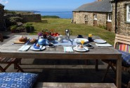 Stunning seascapes with a fresh al fresco breakfast: perfect!