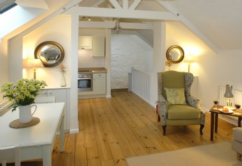 Romantic luxury self-catering cottage St Ives