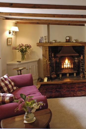 Luxury cornish self-catering holiday cottage nr Watergate Bay